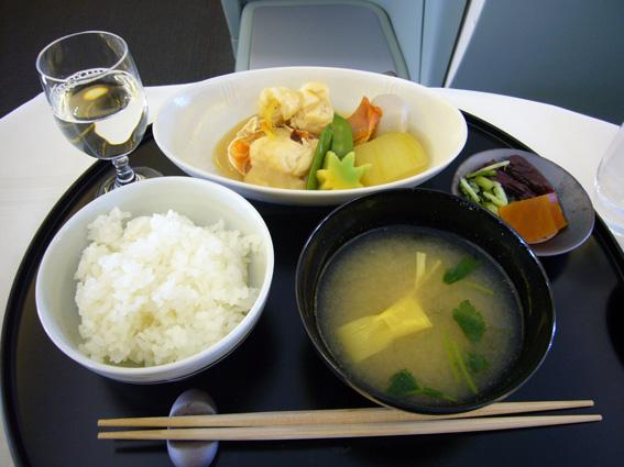 8月1日(水)成田→パリ/機内食&夕食_b0025511_15225719.jpg