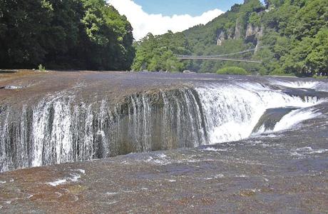 8月10日 吹き割りの滝_a0001354_2219142.jpg