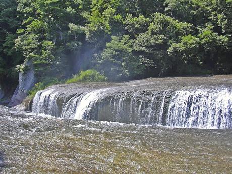 8月10日 吹き割りの滝_a0001354_2220059.jpg