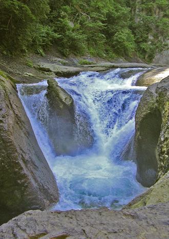 8月10日 吹き割りの滝_a0001354_22281388.jpg
