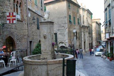 Ventimigliaの旧市街 (+嫉妬小話)_f0090286_12111577.jpg