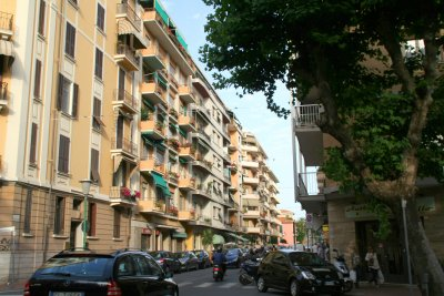 Ventimigliaの旧市街 (+嫉妬小話)_f0090286_12192813.jpg