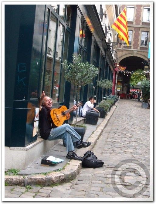 ■街角のミュージシャン(パリ)_a0008105_18161743.jpg