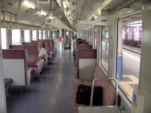 JR陸羽西線の快速列車_e0100772_21284354.jpg