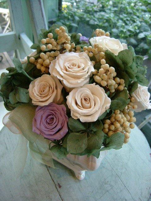 オークリーフ(紫陽花とバラのプリザーブドフラワー)_f0049672_1312146.jpg