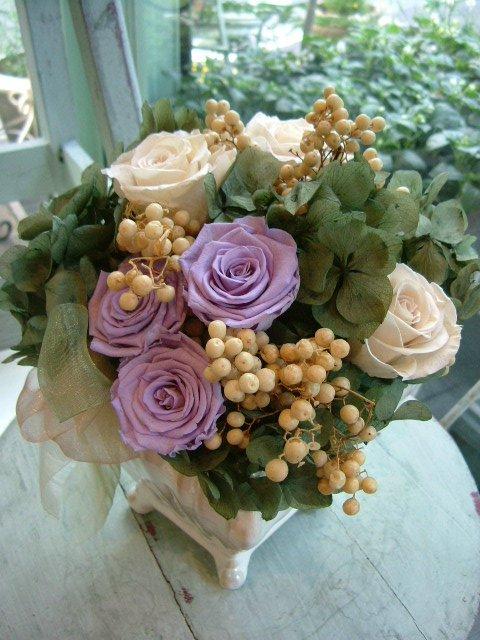 オークリーフ(紫陽花とバラのプリザーブドフラワー)_f0049672_1322269.jpg