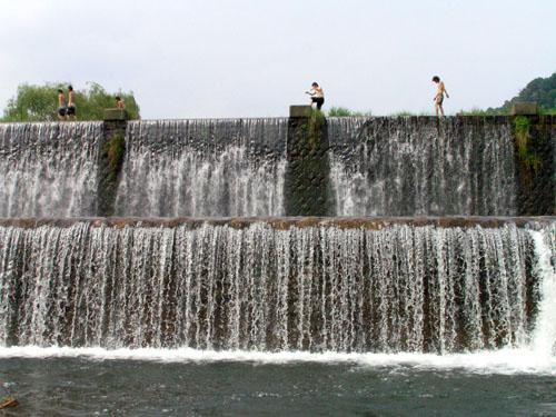 猛暑ですーーー鴨川上流_e0048413_1572925.jpg