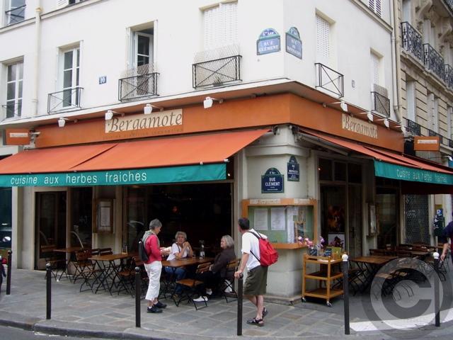 ■街角のレストラン(パリ)_a0014299_70984.jpg