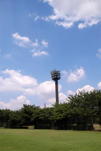 真夏の昼下がりの野球場_c0031975_033134.jpg