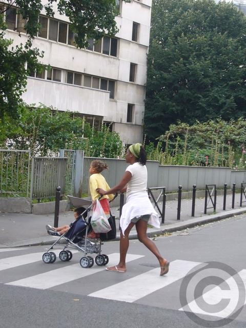 ■街角の親子(パリ)_a0008105_6323762.jpg