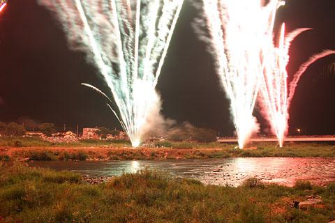 趣向をこらした色々な花火に大歓声_f0105218_13273226.jpg