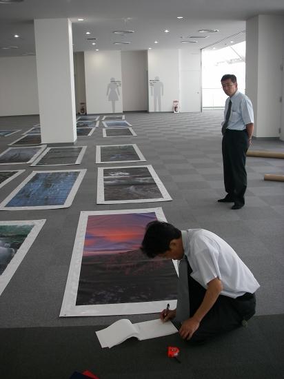 函館フェリーターミナル写真展 開催準備_f0050534_021251.jpg