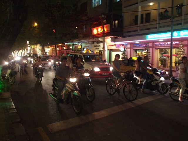 カンボジア&ベトナムから帰国_c0011649_19531662.jpg