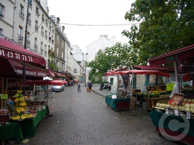 ■街角の果物(パリ)_a0014299_18255320.jpg