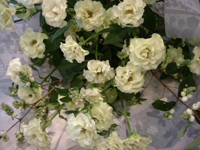 オークリーフ(バラ・緑光の花束2)_f0049672_1119239.jpg
