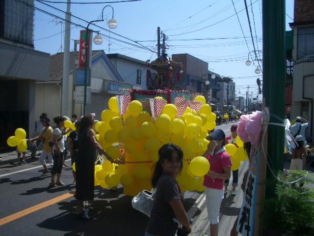 お祭り最終日_f0000928_1375078.jpg