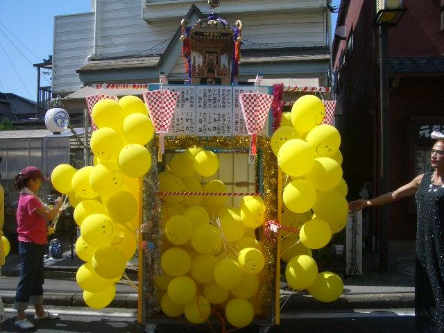 お祭り最終日_f0000928_1385193.jpg