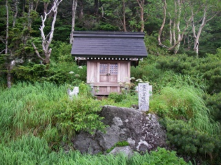 丸黒山・乗鞍・平湯縦走(その3)_e0064783_1873719.jpg