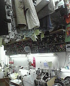 香港生活1年にして、ついに改衣屋さんデビュウ!_d0087642_1101297.jpg