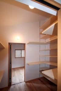 必要な場所に必要な収納♪~二世帯住宅の暮らしを楽しむ~完成見学会のご案内_d0082356_13314079.jpg