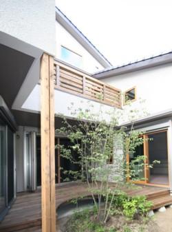 中庭のある家~二世帯住宅の暮らしを楽しむ~完成見学会のご案内_d0082356_17261718.jpg