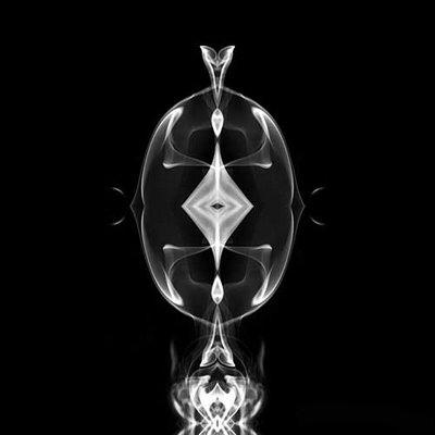 ★スモーク アート~美しき煙の世界 ♪⌒ヽ(*゚O゚)ノ スゴイッ!_a0028694_5383234.jpg