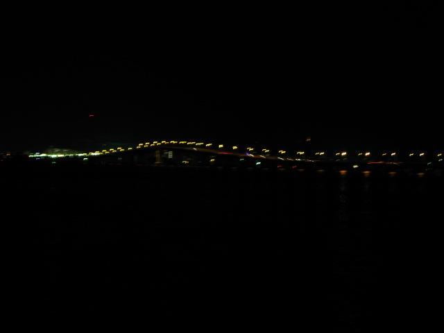 琵琶湖畔の夜 _a0106807_435456.jpg