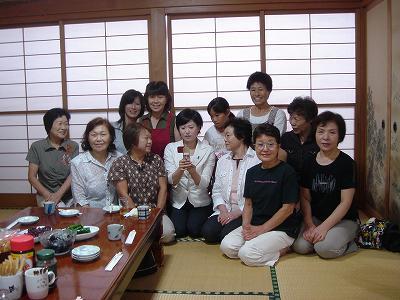 塚田参議院議員奥さん志保さん挨拶に_f0019487_10231791.jpg