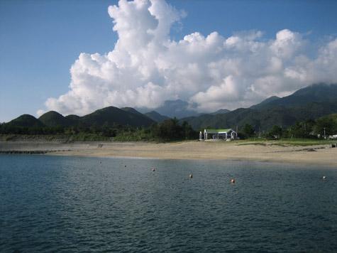 栗生の浜と夏の雲_c0107829_12255780.jpg
