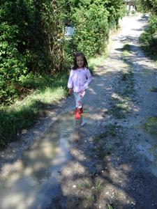 雨上がりのお散歩_f0106597_6485758.jpg