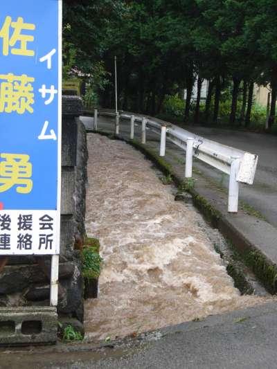 またもや洪水_b0084826_7281133.jpg