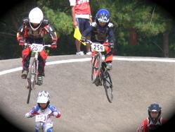 2007東日本BMX選手権大会inひたちvol4年齢別クラス予選の画像垂れ流しその2_b0065730_19301973.jpg