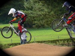 2007東日本BMX選手権大会inひたちvol5 B7−8、9-10クラス準決勝の画像垂れ流し_b0065730_22294110.jpg