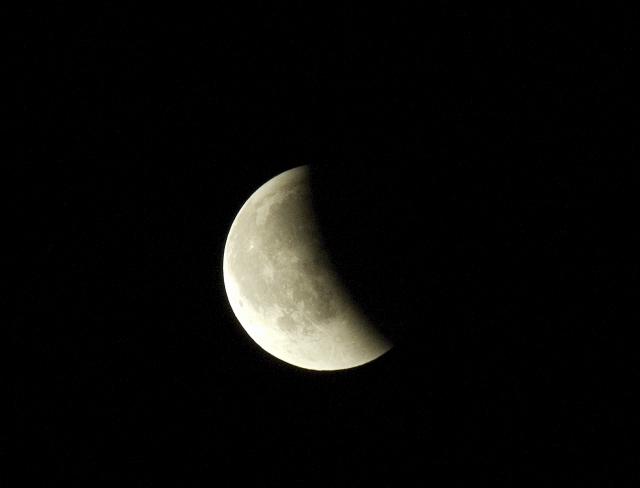 皆既月食_c0051132_2126571.jpg