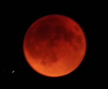 皆既月食。_b0047734_2310099.jpg
