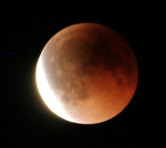 皆既月食。_b0047734_23105816.jpg