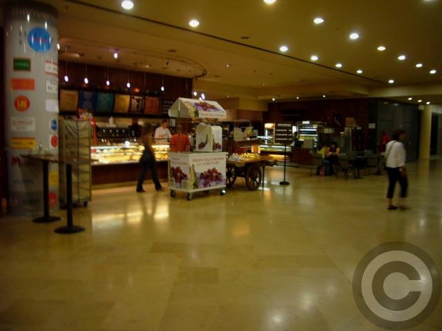 "■Le Carrousel du Louvreカルーゼル・デュ・ルーヴルの\""食\""_a0014299_57938.jpg"