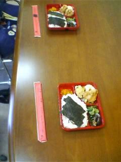 水曜の昼食は_b0106766_13312490.jpg