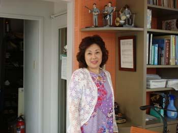 8月29日(水)ソプラノオペラ歌手矢島瑪紅美さん_e0006772_22522072.jpg