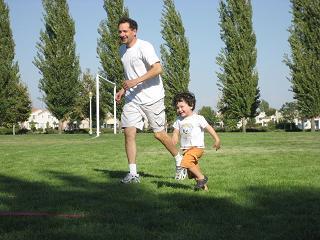 公園でフリスビーをやったよ。_c0119197_1043015.jpg