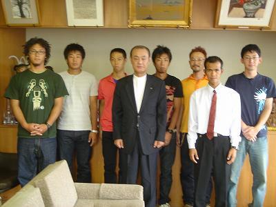 海外研修会「やまと」市長訪問、アメリカに出発!_b0092684_11185589.jpg