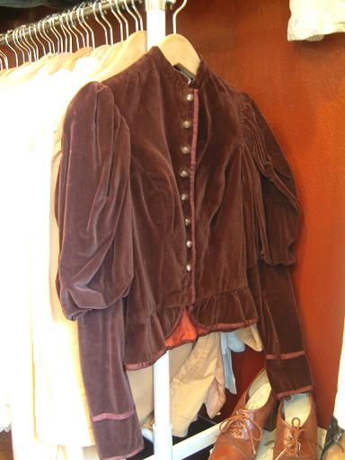 "CARBOOTS NEW ITEMS!! ""Lady\'s Leather Jacket & other\""_f0144612_22133185.jpg"