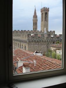 フィレンツェでとびきり贅沢な眺め~アパート、トッレ・スイート_f0106597_134850100.jpg