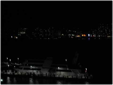 【琵琶湖ホテルの部屋と眺め】_b0009849_1450368.jpg