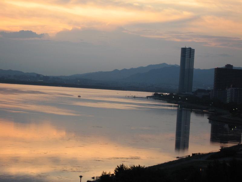 【琵琶湖ホテルの部屋と眺め】_b0009849_14572124.jpg