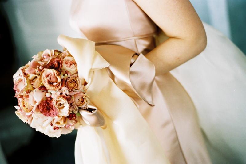 ブーケ 花のひとひらずつ ニューオータニの新婦様_a0042928_23433566.jpg