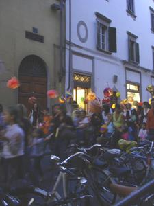 フィレンツェで堤燈行列~リフィコローネ_f0106597_5592778.jpg