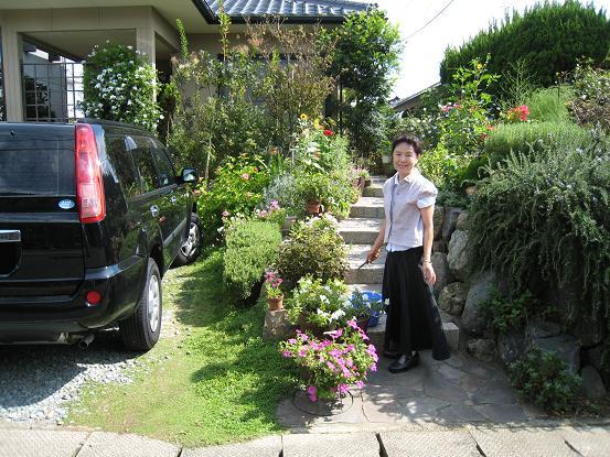 姉の庭は花いっぱい_a0107574_214593.jpg