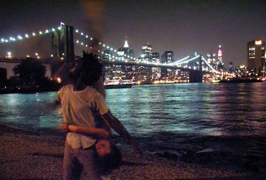 ニューヨークの夜景とモダンダンスのショーを一度に楽しむ方法_b0007805_1255798.jpg