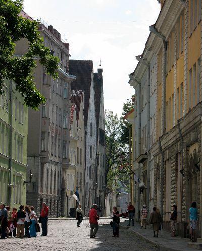 船の旅 (6月24日)タリンの観光( エストニア)_e0098241_1044364.jpg